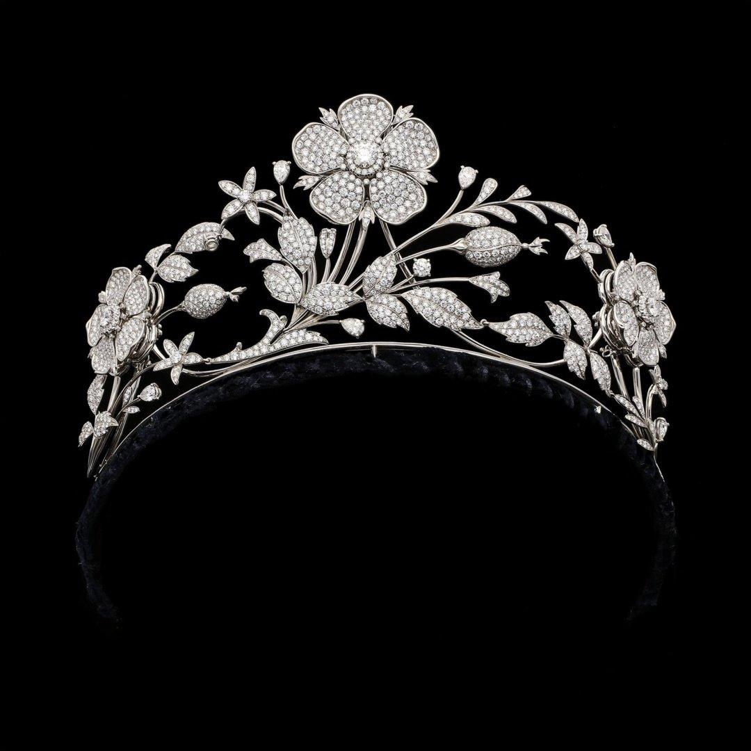 E. Wolfe Co platinum tiara. London Jewellers